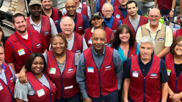lowes happy employees